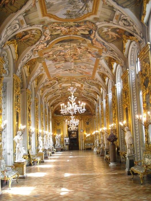 Palazzo Pamphilj's hall of mirrors